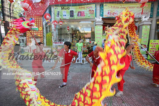 Dragon dance performers, Chinese New Year, Ho Chi Minh City, Vietnam, Indochina, Southeast Asia, Asia Stock Photo - Premium Rights-Managed, Artist: Robert Harding Images, Code: 841-03676029