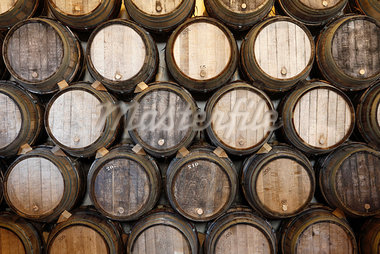 Stacked oak barrels in a winery Stock Photo - Premium Royalty-Freenull, Code: 653-03706336