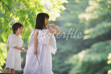 Children Dressed-up as an Angels Stock Photo - Premium Rights-Managed, Artist: Aflo Relax, Code: 859-03781908
