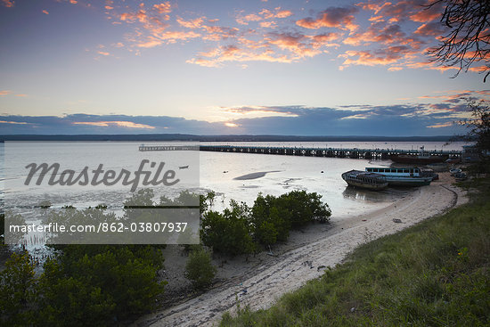 Ferry pier and Inhambane Bay at sunset, Inhambane, Mozambique Stock Photo - Premium Rights-Managed, Artist: AWL Images, Code: 862-03807937