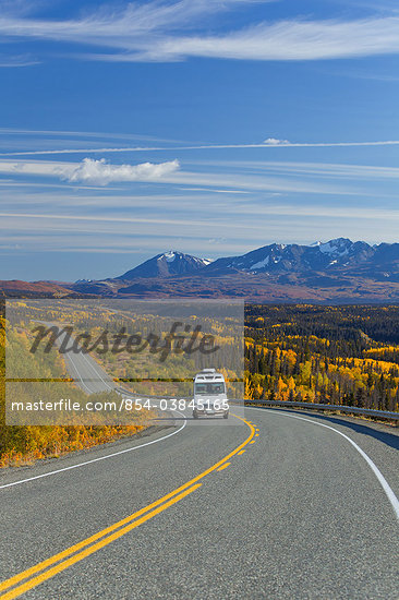 Scenic view of the Alaska Highway and traffic between Haines, Alaska and Haines Junction, Yukon Territory, Canada, Autumn Stock Photo - Premium Rights-Managed, Artist: AlaskaStock, Code: 854-03845165