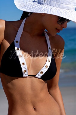 Beautiful brunette on the beach Stock Photo - Premium Rights-Managed, Artist: urbanlip.com, Code: 847-03862998