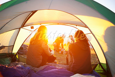 Friends Camping, Hood River, Oregon, USA Stock Photo - Premium Royalty-Free, Artist: Ty Milford, Code: 600-03865224