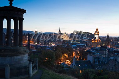 Edinburgh cityscape at dusk towards Edinburgh Castle, Edinburgh, Lothian, Scotland, United Kingdom, Europe Stock Photo - Premium Rights-Managed, Artist: Robert Harding Images, Code: 841-03870379