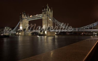 The bascule Tower bridge in London, Night Scene over the Thames Stock Photo - Royalty-Free, Artist: Forgiss                       , Code: 400-04968906