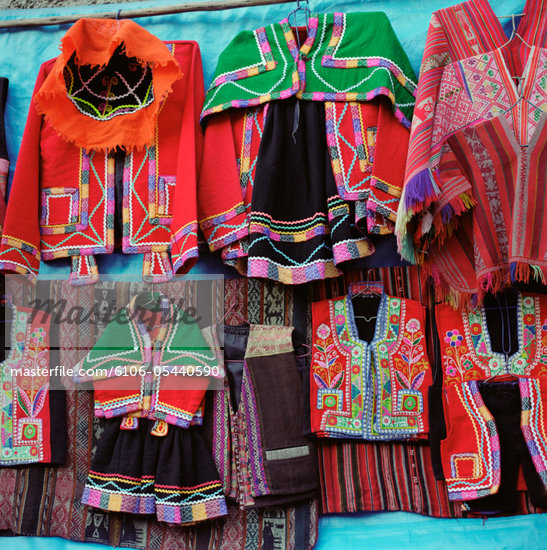 Traditional Clothing, Pisac Market, Pisac, Peru Stock Photo - Premium Royalty-Freenull, Code: 6106-05440590