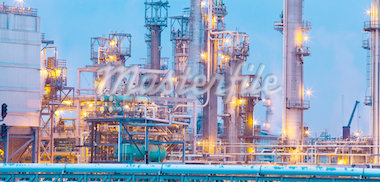 Oil Refinery at Dawn Stock Photo - Premium Royalty-Freenull, Code: 6106-05441333