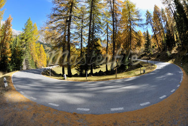 Road, Albula Pass, Canton of Graubunden, Switzerland Stock Photo - Premium Royalty-Free, Artist: Raimund Linke, Code: 600-05452173