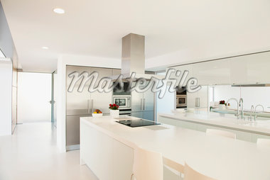 Stove and counters in modern kitchen Stock Photo - Premium Royalty-Freenull, Code: 635-05550384