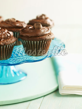 Chocolate Cupcakes Stock Photo - Premium Royalty-Free, Artist: Michael Alberstat, Code: 600-05560304