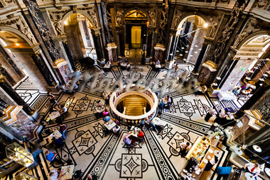 Cafe in Kunsthistorisches Museum, Vienna, Austria Stock Photo - Premium Rights-Managed, Artist: R. Ian Lloyd, Code: 700-05609905