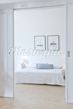 View into bedroom Stock Photo - Premium Royalty-Freenull, Code: 689-05612426