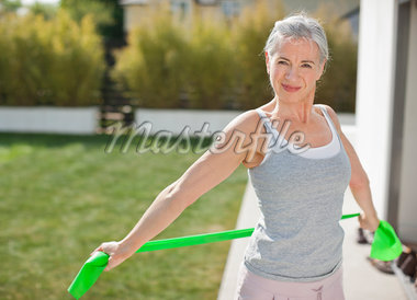 Woman exercising outdoors Stock Photo - Premium Royalty-Freenull, Code: 635-05652395