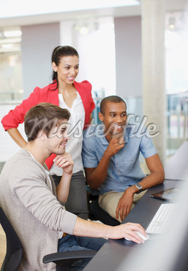 Business people working at computer in office Stock Photo - Premium Royalty-Freenull, Code: 635-05656039