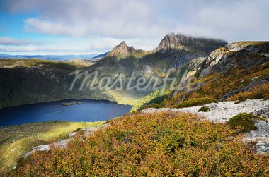 Cradle Mountain and Dove Lake, with deciduous beech (Fagus) in fall colors, Cradle Mountain-Lake St. Clair National Park, UNESCO World Heritage Site, Tasmania, Australia, Pacific Stock Photo - Premium Rights-Managed, Artist: Robert Harding Images, Code: 841-05783508