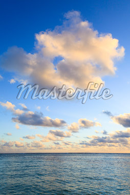 Clouds over Indian Ocean, Anse Source d'Argent, La Digue, Seychelles Stock Photo - Premium Royalty-Free, Artist: F. Lukasseck, Code: 600-05786197