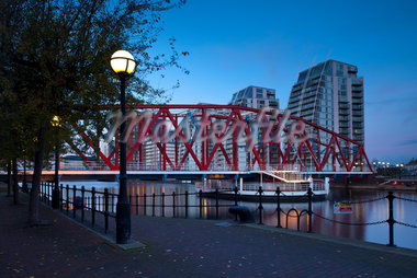 Detroit Bridge, Salford Quays, Greater Manchester, England Stock Photo - Premium Rights-Managed, Artist: Jason Friend, Code: 700-05786134
