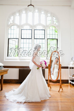 Bride Looking in Mirror Stock Photo - Premium Rights-Managed, Artist: Ikonica, Code: 700-05786617
