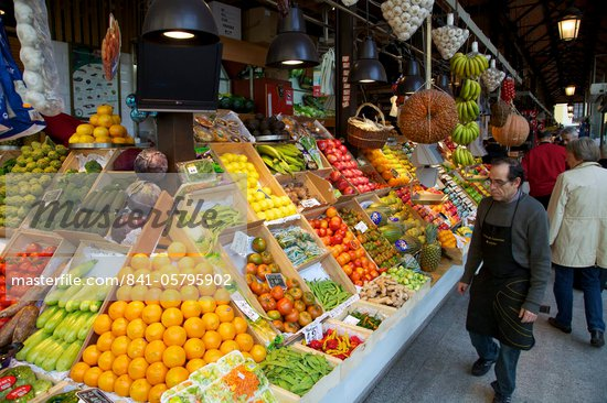 Fresh fruit and vegetables for sale in market, Mercado de San Miquel, Madrid, Spain, Europe Stock Photo - Direito Controlado, Artist: Robert Harding Images, Code: 841-05795902