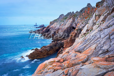 Rocky Coastline, Pointe Raz, Finistere, Bretagne, France Stock Photo - Premium Rights-Managed, Artist: Tim Hurst, Code: 700-05803761