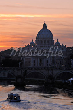 Saint Peter's Basilica at Sunset, Vatican, Rome, Lazio, Italy Stock Photo - Premium Rights-Managed, Artist: Martin Ruegner, Code: 700-05821959