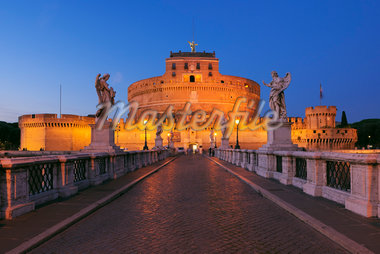 Castel Sant'Angelo and Ponte Sant'Angelo, Rome, Lazio, Italy Stock Photo - Premium Rights-Managed, Artist: Martin Ruegner, Code: 700-05821961