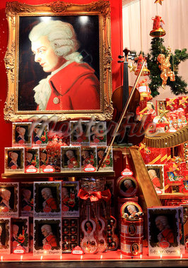 Christmas and Mozart decoration in shop window, Salzburg, Austria, Europe Stock Photo - Premium Rights-Managed, Artist: Robert Harding Images, Code: 841-05846653