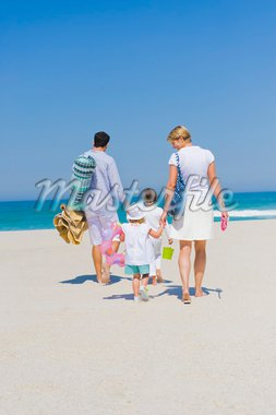 Family on vacations on the beach Stock Photo - Premium Royalty-Freenull, Code: 6108-05866026