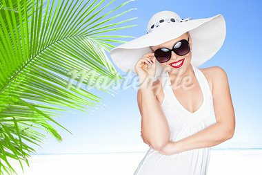 portrait of young beautiful woman in hat and sunglasses Stock Photo - Royalty-Free, Artist: ersler                        , Code: 400-05906960