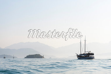 Boat, near Paraty, Rio de Janeiro, Brazil Stock Photo - Premium Rights-Managed, Artist: Chris Hendrickson, Code: 700-05947889