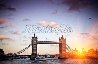 Tower Bridge in London Stock Photo - Premium Royalty-Freenull, Code: 649-05951143