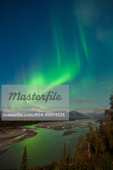 Northern lights above Mount McKinley and the Chulitna River during a full moon, seen from the Parks Highway overlook, Denali State Park, Alaska, Autumn Stock Photo - Premium Rights-Managed, Artist: AlaskaStock, Code: 854-05974326