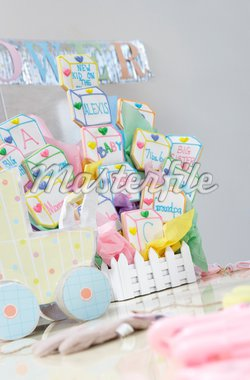 Toys and Cake for Baby Shower Stock Photo - Premium Royalty-Freenull, Code: 693-06017143