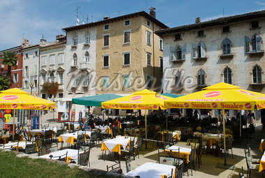 Cafe scene in old Venetian quarter, Porec, Istria, Croatia, Europe Stock Photo - Premium Rights-Managed, Artist: Robert Harding Images, Code: 841-06033625