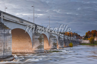 The River Loire and Le Pont Wilson, Tours, France, Europe Stock Photo - Premium Rights-Managed, Artist: Robert Harding Images, Code: 841-06034267