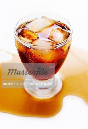 Above view of glasses of coca-cola with ice Stock Photo - Budget Royalty-Free, Image code: 400-04378100