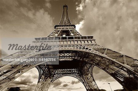 Eiffel Tower in black and white, Paris (France) Stock Photo - Budget Royalty-Free, Image code: 400-04987736