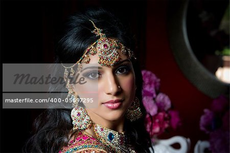 Image of a gorgeous Indian bride traditionally dressed Stock Photo - Budget Royalty-Free, Image code: 400-05697295
