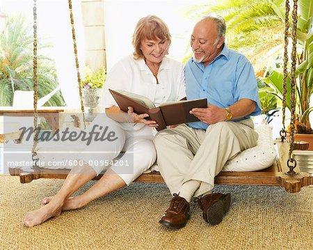 Couple Sitting on Porch Swing    Stock Photo - Premium Royalty-Free, Artist: Masterfile, Code: 600-00954201