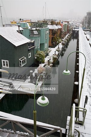 Floating Houses, False Creek, Granville Island, Vancouver, British Columbia, Canada    Stock Photo - Premium Royalty-Free, Artist: J. A. Kraulis, Code: 600-01344420