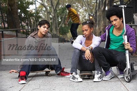 Teenagers Hanging Out Stock Photo - Premium Royalty-Free, Image code: 600-01764049