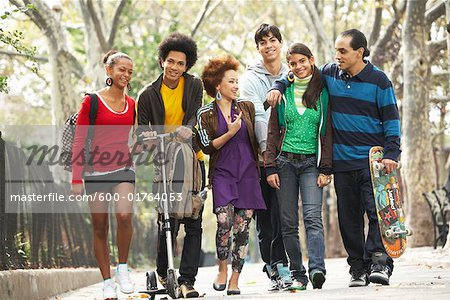 Teenagers Hanging Out Stock Photo - Premium Royalty-Free, Image code: 600-01764053