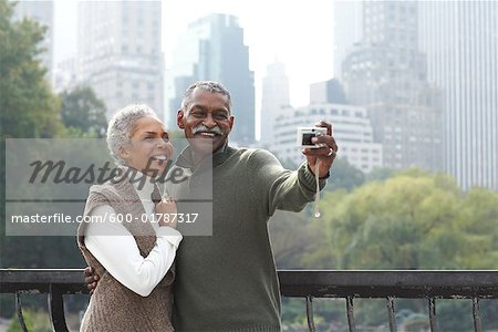 Couple Taking Self Portrait, New York City, New York, USA Stock Photo - Premium Royalty-Free, Image code: 600-01787317