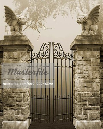 Gate With Winged Dog Statues Stock Photo - Premium Royalty-Free, Image code: 600-02046390