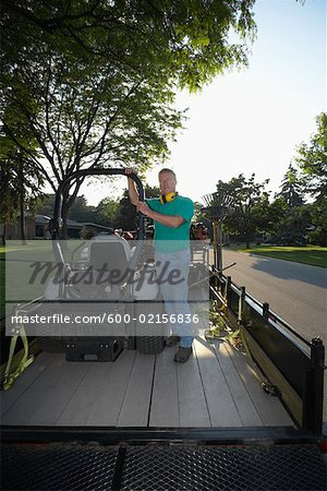 Landscaper Stock Photo - Premium Royalty-Free, Image code: 600-02156836
