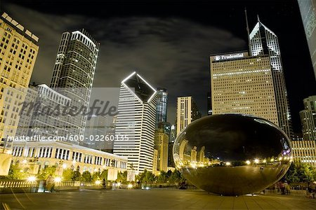 Cloud Gate Sculpture at Night, Chicago, Illinois, USA Stock Photo - Premium Royalty-Free, Image code: 600-02260135