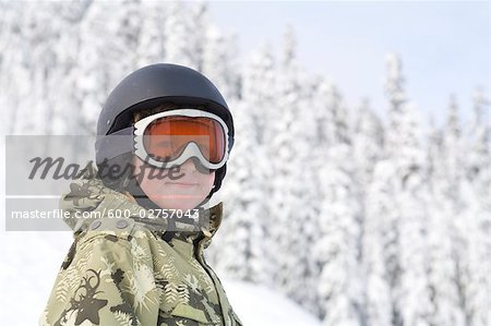 Little Boy Snowboarding at Snoqualmie Pass, Washington, USA Stock Photo - Premium Royalty-Free, Image code: 600-02757043