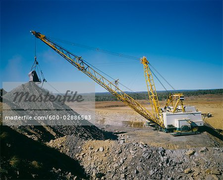 Black Coal Mining, Dragline Removing Overburden, Australia Stock Photo - Premium Royalty-Free, Image code: 600-02886583