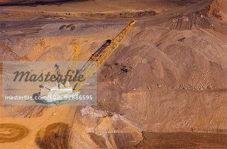 Black Coal Mining, Dragline Removing Overburden, Australia Stock Photo - Premium Royalty-Free, Image code: 600-02886595