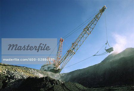 Black Coal Mining, Dragline Removing Overburden, Australia Stock Photo - Premium Royalty-Free, Image code: 600-02886597
